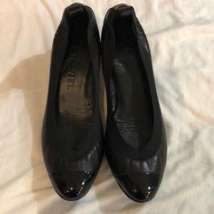 Chanel Black Leather / Patent Cap Elastic low heel